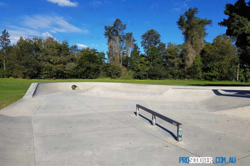 Mudgeeraba Skate Park rail to keyhole curved quarter